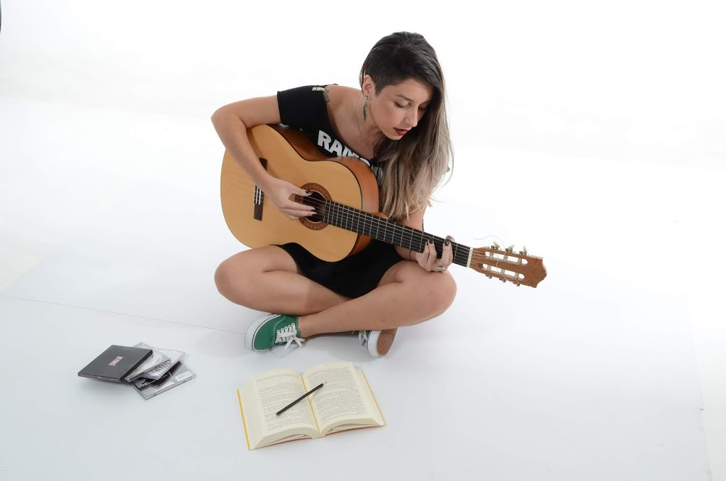 Top 5 Best Accoustic Guitar for beginners